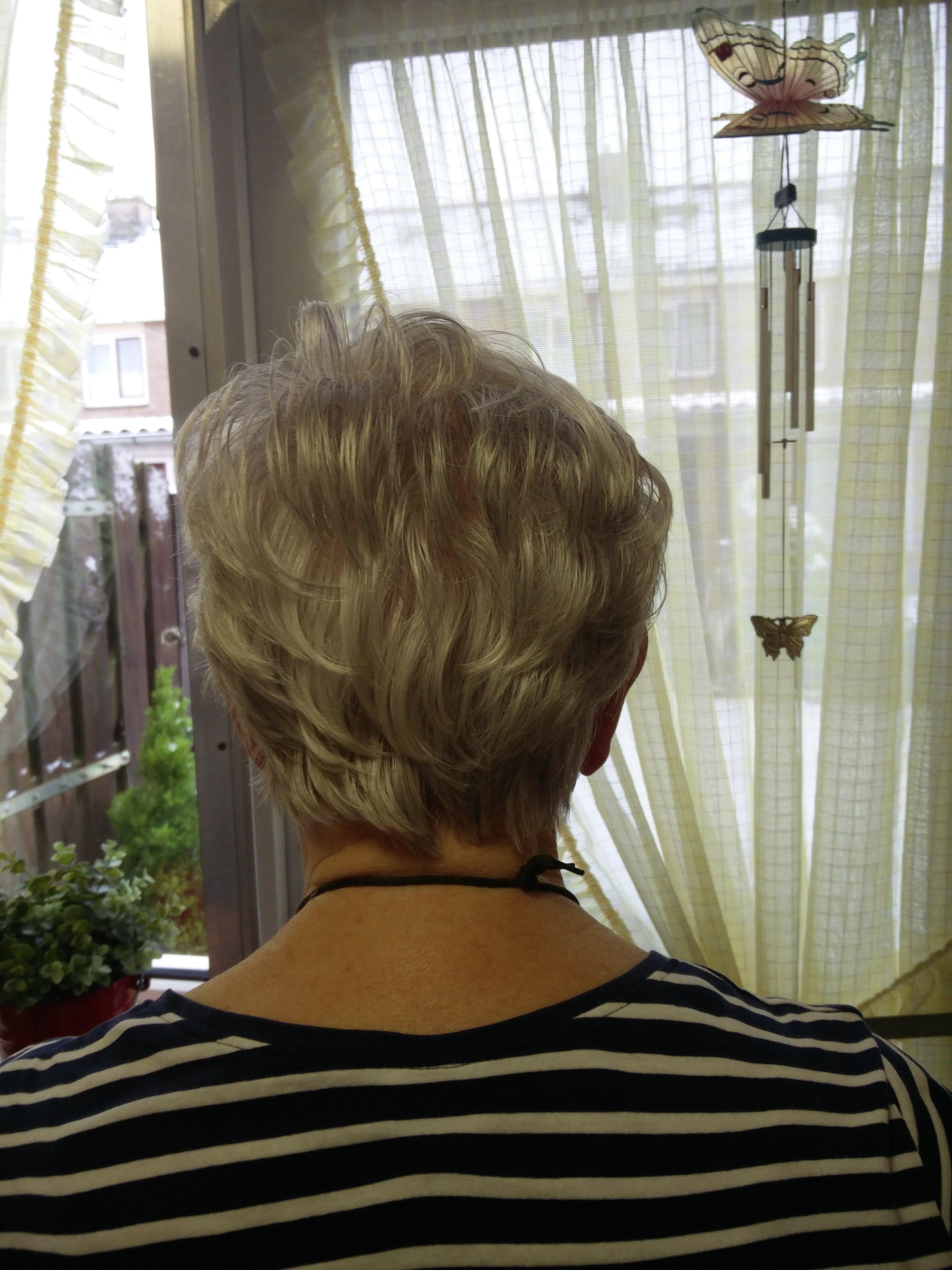 Kort haar gesneden Linda Petrovic 2017